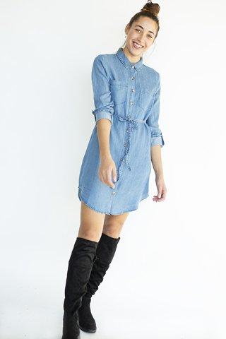 """Εικόνα της Φόρεμα Πουκαμίσα Denim """"Manja"""" σε Μπλε Χρώμα"""