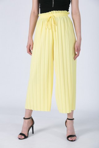 "Picture of Pleated Trousers ""Sadie"" 3/4 in Yellow"