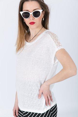 """Εικόνα της Γυναικεία Μπλούζα Κοντομάνικη """"Giselle"""" σε Χρώμα Off-White"""