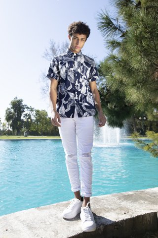 "Picture of Floral Shirt ""Roger"" in leaves print"